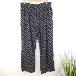 ♦️2/$20 Old Navy Black and Grey Skull Pajama's XL